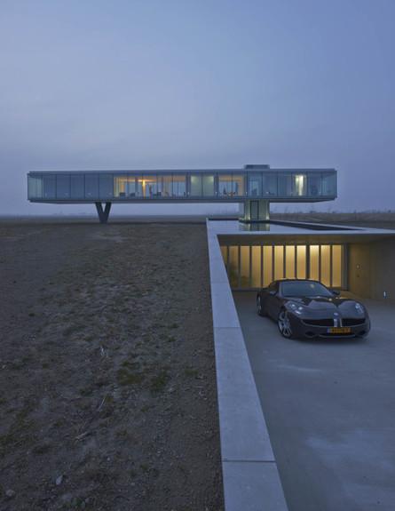 תחרות אדריכלים, וילה קוגלהוף, חנייה
