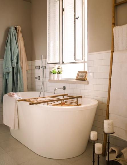 מרב חביב, חדר שינה אמבט גובה (צילום: גלעד רדט)