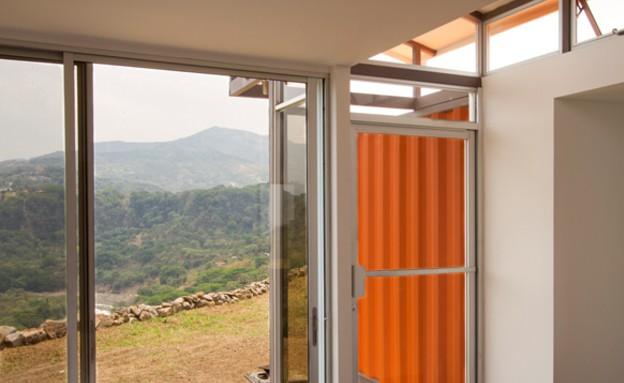 קונטיינרים חדש, מכולות של תקווה חלון, צילום  Andre (צילום: Andres Garcia Lachner)
