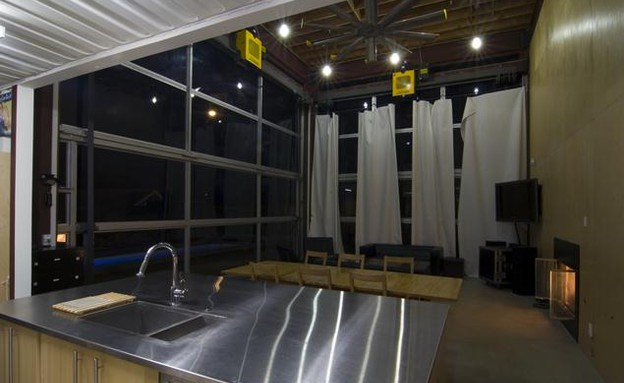 קונטיינרים חדש, בית החוף מטבח, צילום  DeMaria Desi (צילום: DeMaria Design Associates )