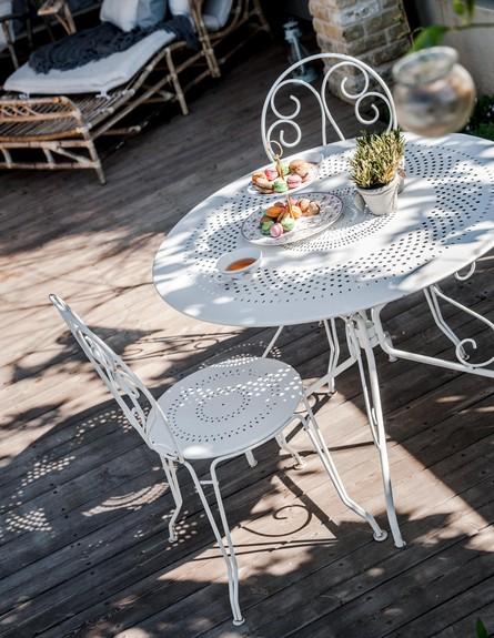 מרב חביב, מרפסת שולחן עגול גובה (צילום: גלעד רדט)
