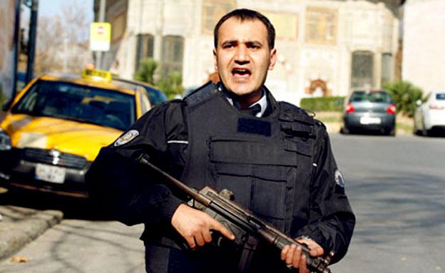שוטר בטורקיה (ארכיון) (צילום: רויטרס)