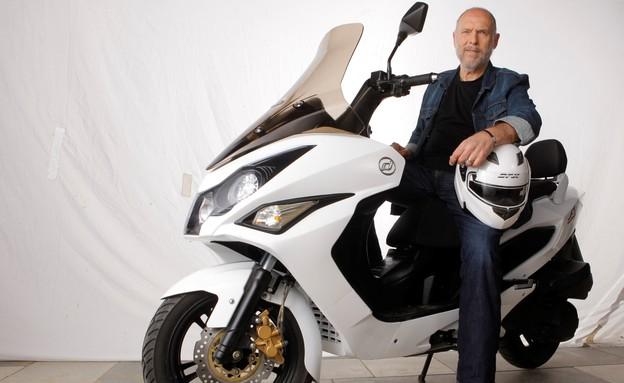 רוני לייבוביץ' קטנוע דיאלים