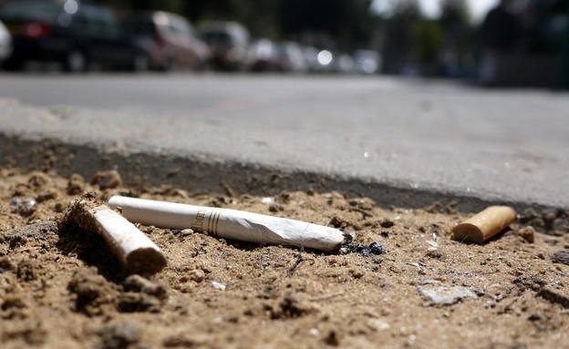 סיגריות בצידי הדרך (צילום: שי גל 2)