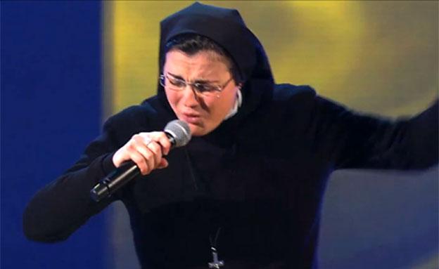 צפו: הנזירה היממה את השופטים (צילום: יוטיוב)