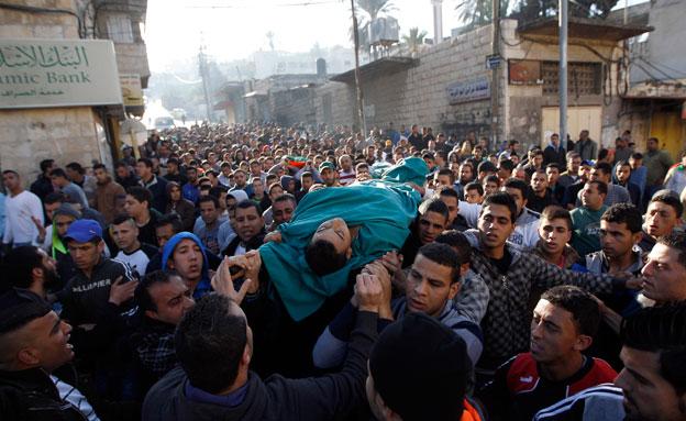 הלוויית ההרוגים בג'נין (צילום: רויטרס)