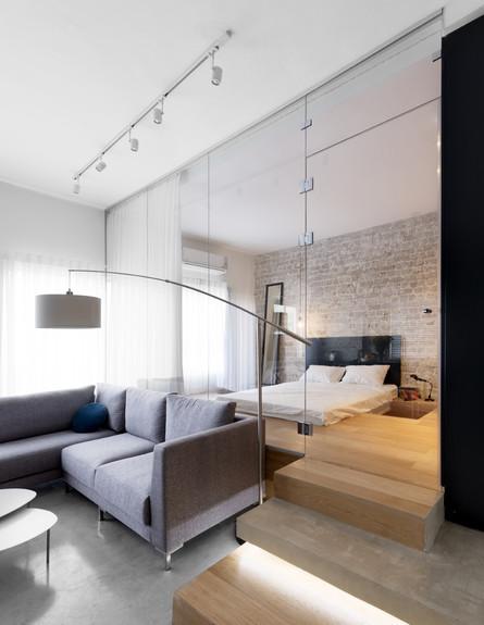 צבי ברוק, חדר שינה שקוף