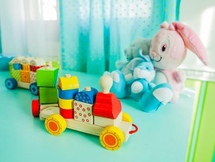 עידית זכריה חדש, חדר ילדים שידה בובות (צילום: אודי גורן)