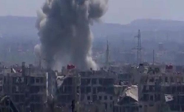 צפו: המורדים מתקרב לכפר הולדתו של אסד
