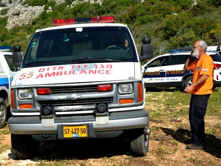 """זירת התאונה בצפון (צילום: ערן לפל - דוברות מד""""א)"""