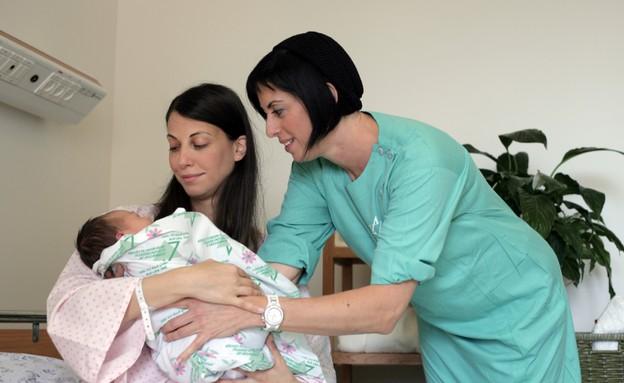 """פנינה המיילדת (צילום: יח""""צ בית החולים לניאדו)"""