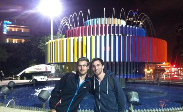 דומיניק וג'ונתן, תיירים בתל אביב (צילום: לימור בן-רומנו)