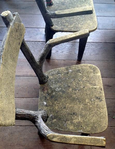 מרב בפריז, מרסי כסאות מעץ לא מעובד צילום מרב שדה (צילום: מרב שדה)
