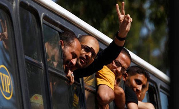אוטובוס אסירים (צילום: חדשות 2)