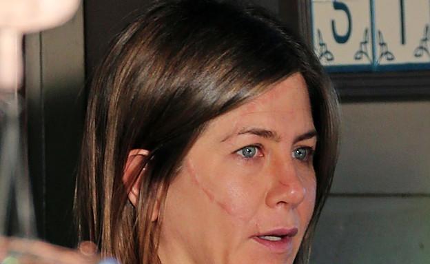 הפנים של ג'ניפר אניסטון (צילום: Splash News, Splash news)