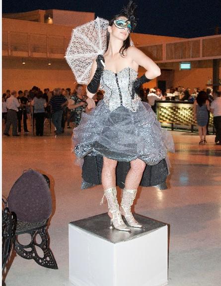 רקדניות מיצג (צילום: mako)