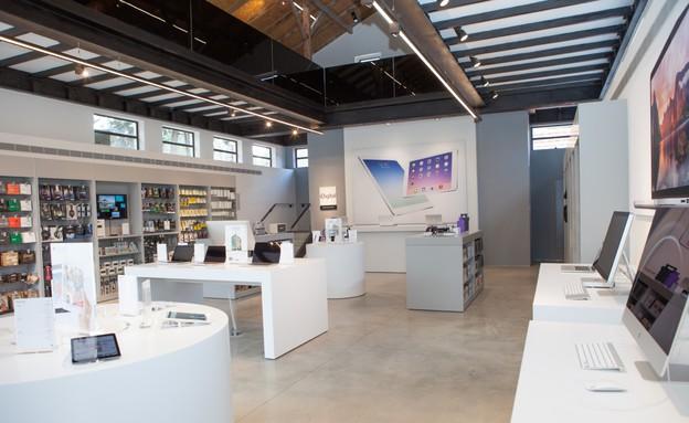 חנות iDigital במתחם שרונה (צילום: עמית שמש)