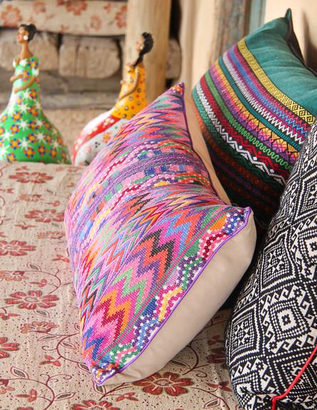 הפקה במדבר, חלל מגורים כריות גובה, צילום איקו פרנק (צילום: איקו פרנקו)