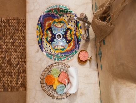 הפקה במדבר, חלל רחצה מבט (צילום: אודי גורן)