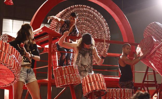 הופעה במתחם המחזור של קוקה קולה (צילום: סטודיו דחף)
