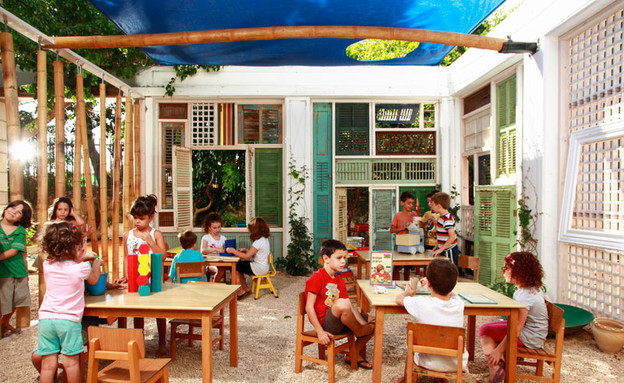 כיתה, ילדים בחצר (צילום: רועי מזרחי)
