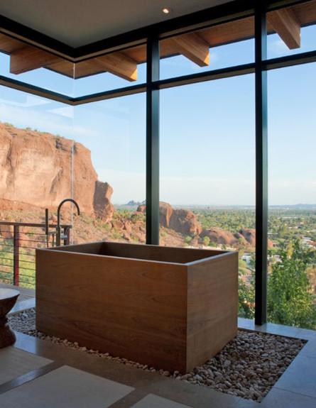 23-אמבטיות עם נוף, דו_שיח_בין_העיצוב_לבין_הנוף.sto (צילום: stonecreekbuilding.com)