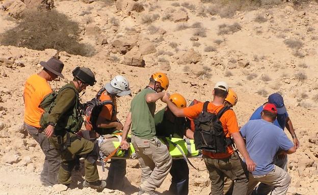 יחידת החילוץ בערבה (צילום: עמרם צוברי)