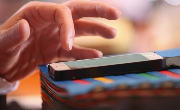 סלולרי (צילום: Sean Gallup, Thinkstock)
