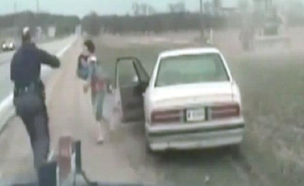 """תיעוד: מרדף בארה""""ב אחר אם שחטפה את בתה (צילום: יוטיוב)"""