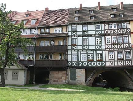 800px-Erfurt-Krämerbrückeהגשרים הארוכים בעולם, קרדיט wikipedia Stö
