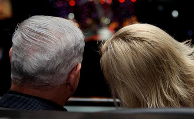 בני הזוג במוקד הביקורת (צילום: איציק בירן)