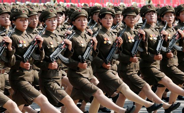 על החיילים בפיונגיאנג להיערך למלחמה? (צילום: רויטרס)