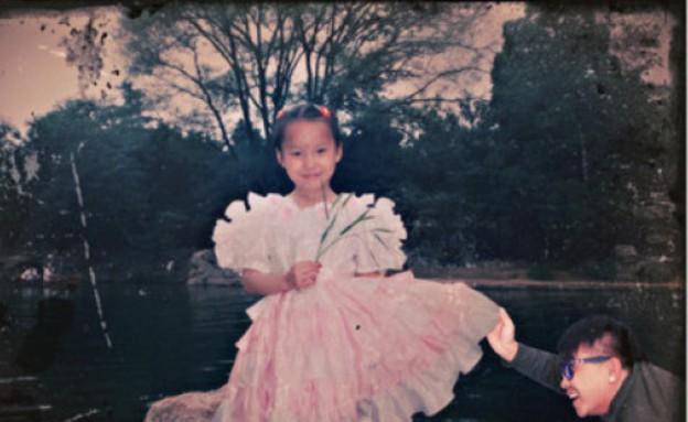 חבר בתמונות ילדות (צילום: Weibo )