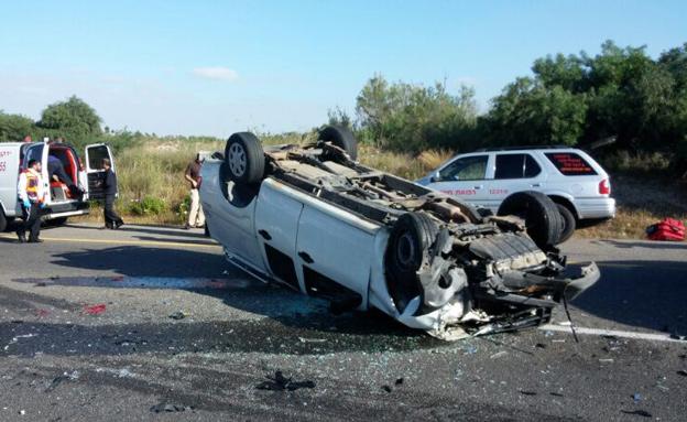 המכונית שהתהפכה בתאונה (צילום: אשר מושקוביץ - חדשות 24)