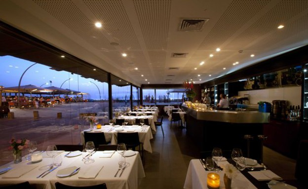 מסעדת מול ים (צילום: דניאל לילה)