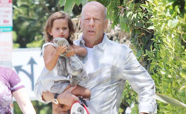 ברוס וויליס והבת (צילום: Splash News, Splash news)