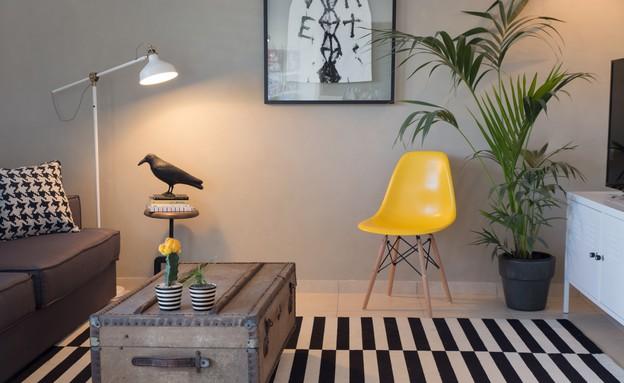 מעצבים עצמאות, שירי היימן ציפור בסלון (צילום: לימור הרצוג אהרוני)