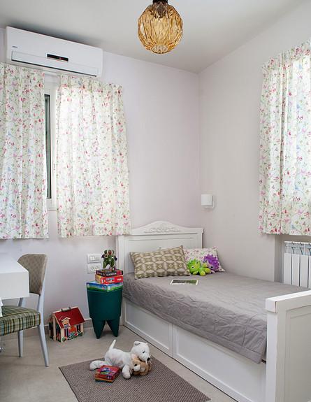 רותי קידר, מיטת ילדים (צילום: גלית דויטש)