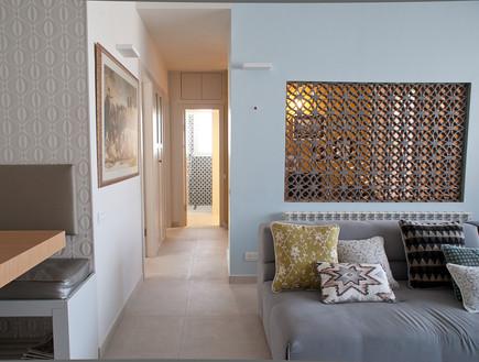 רותי קידר, מסדרון לחדרים (צילום: גלית דויטש)