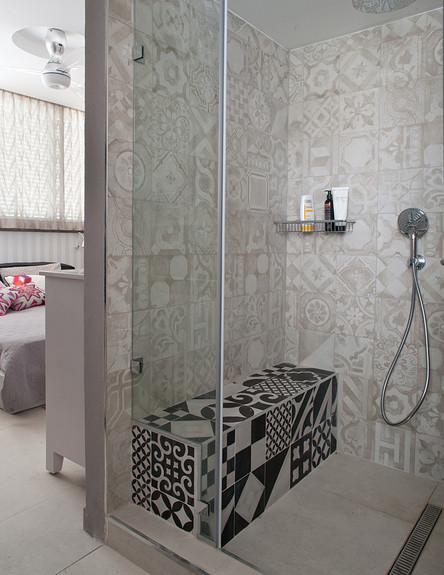 רותי קידר, מקלחון (צילום: גלית דויטש)
