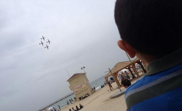 מטס יום העצמאות בתל אביב (צילום: חדשות 2)