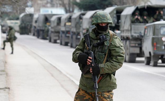 העימותים בסלביאנסק נמשכים (צילום: רויטרס)