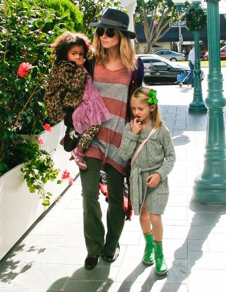 2011. עם הילדים.  (צילום: splash)