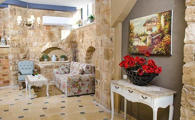 סוויטות עתיקות - שלווה בעתיקה ספה (צילום: אלברט אדוט)