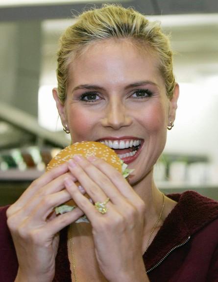 2005. אוכלת (צילום: Nadine Rupp, GettyImages IL)