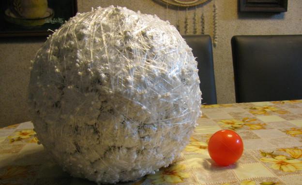 כדור ניילונים (צילום: איתמר קסנר)