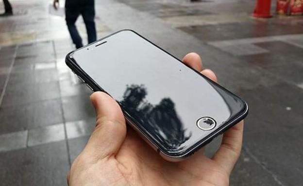 אייפון 6, לפי האתר הטייוואני Mos Coat (צילום: Mos Coat)
