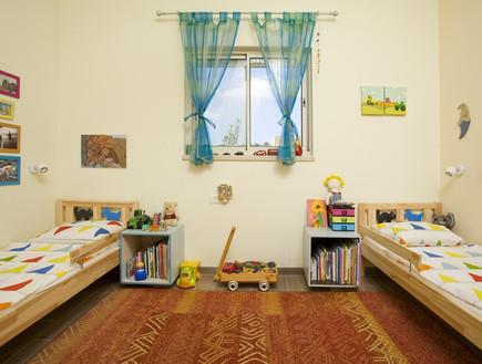 מרב בנר, חדר ילדים