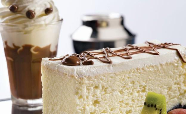 עוגת גבינה עם מיץ תפוזים (צילום: יורם אשהיים, מקס ברנר)