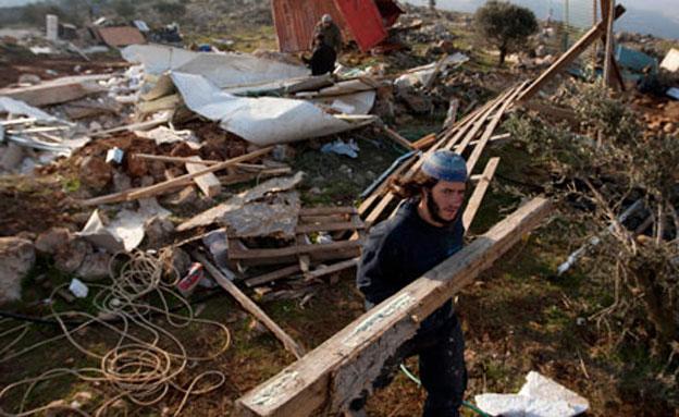 הרס מבנים ביצהר (צילום: AP)